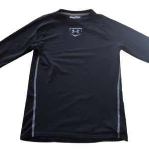 Black Under Armour athletic top